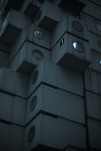 nagakin capsule tower by kurokawa