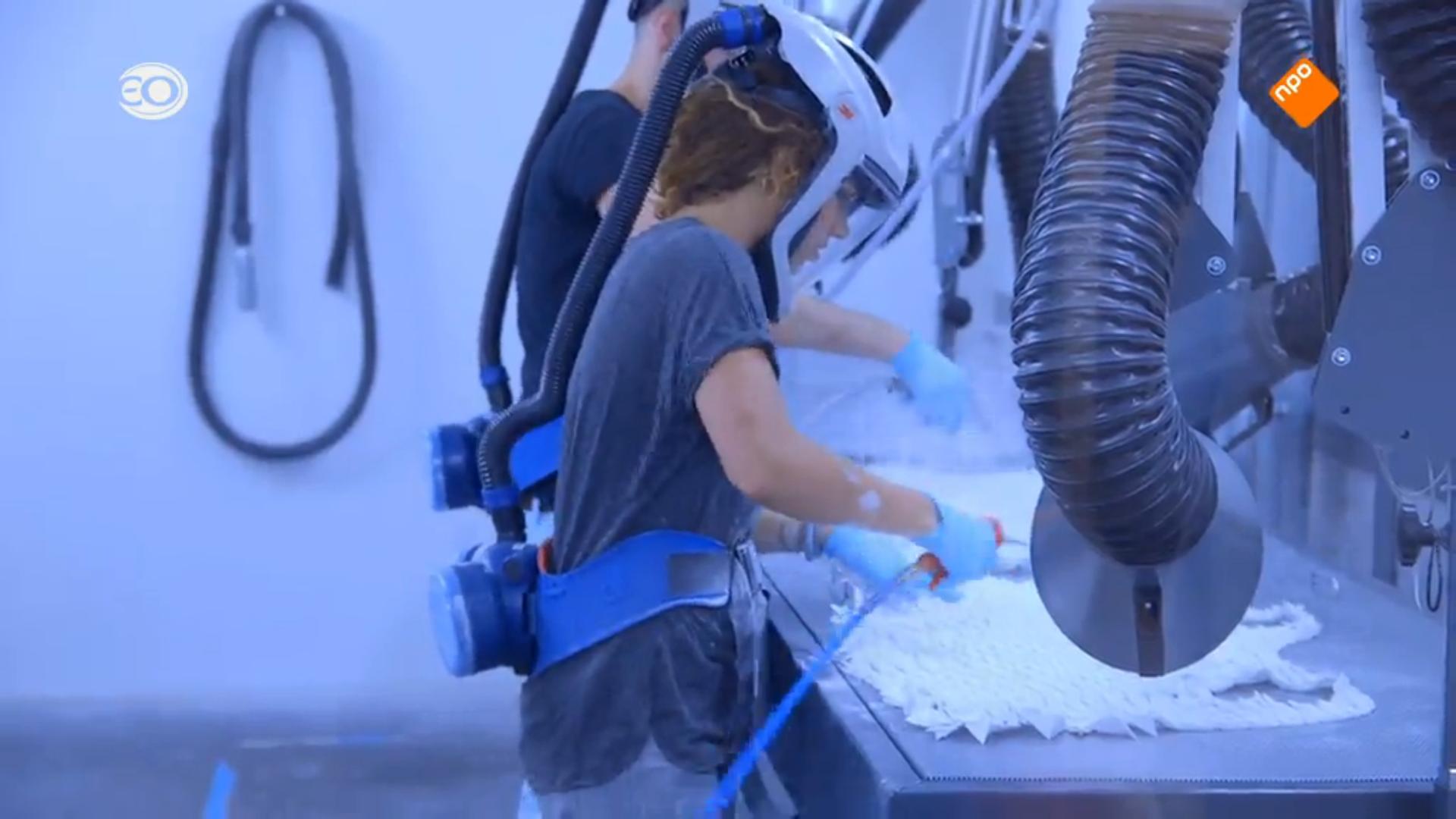 depowdering a Kinematics dress at Shapeways