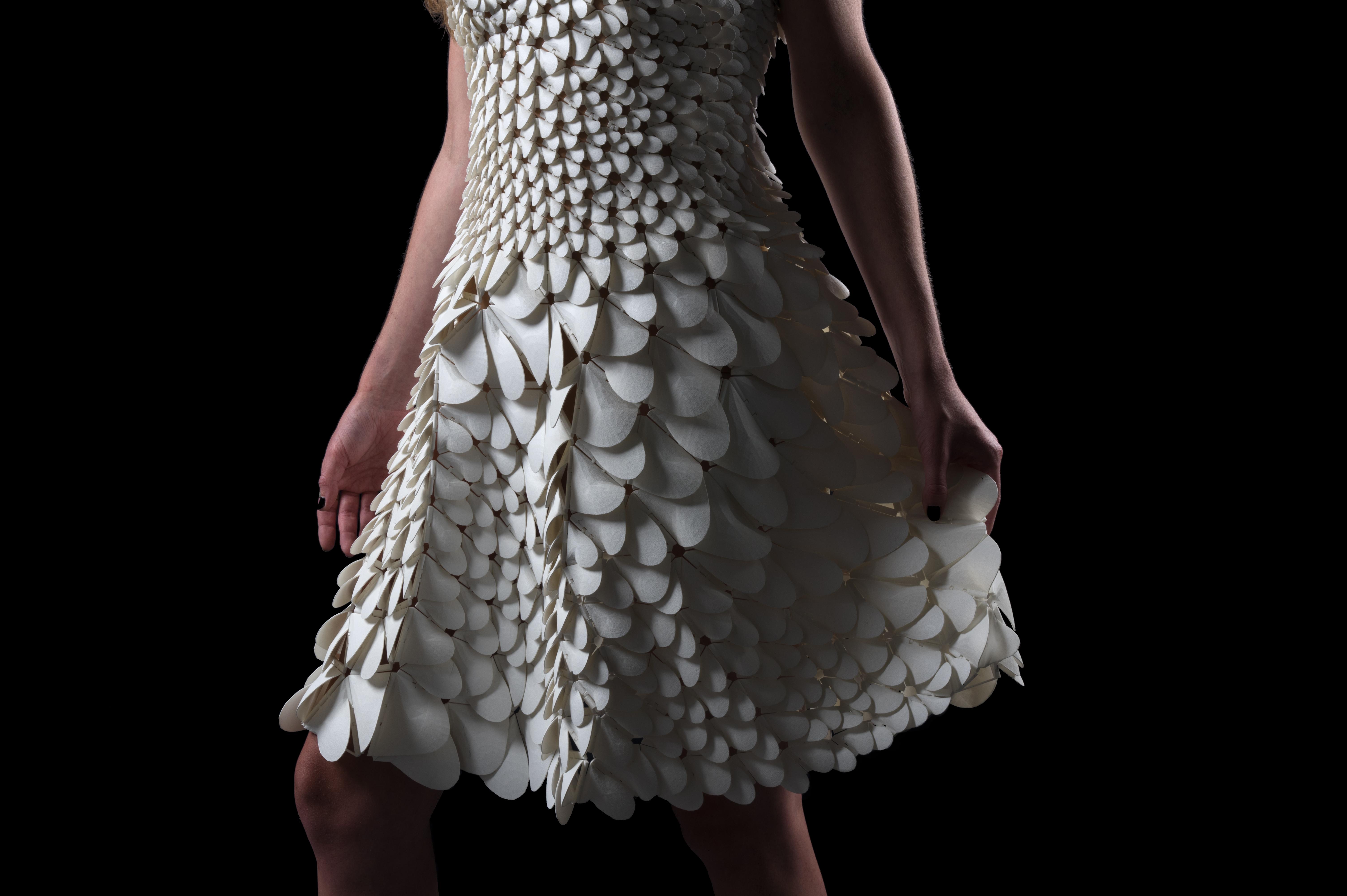 New Kinematics Dresses for Artificiella Ikoner exhibit