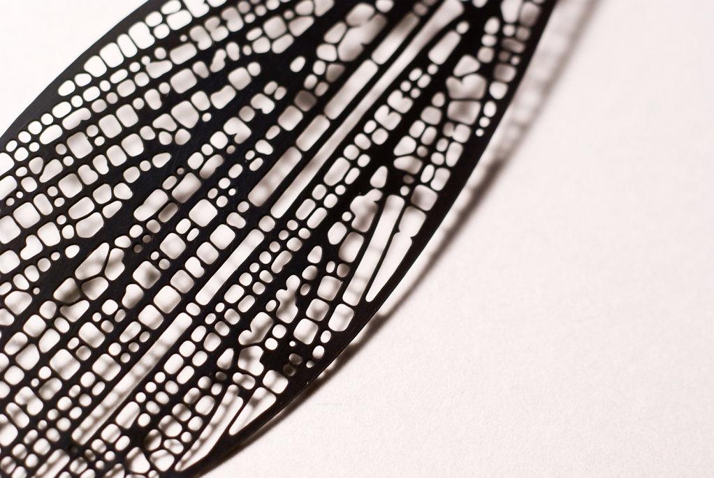 Cross-venulate earring - detail (black chromium plated stainless steel)