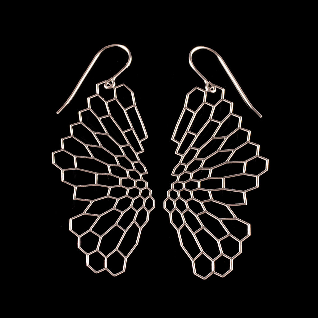 04-radiolaria-earrings-steel-blackbg.jpg
