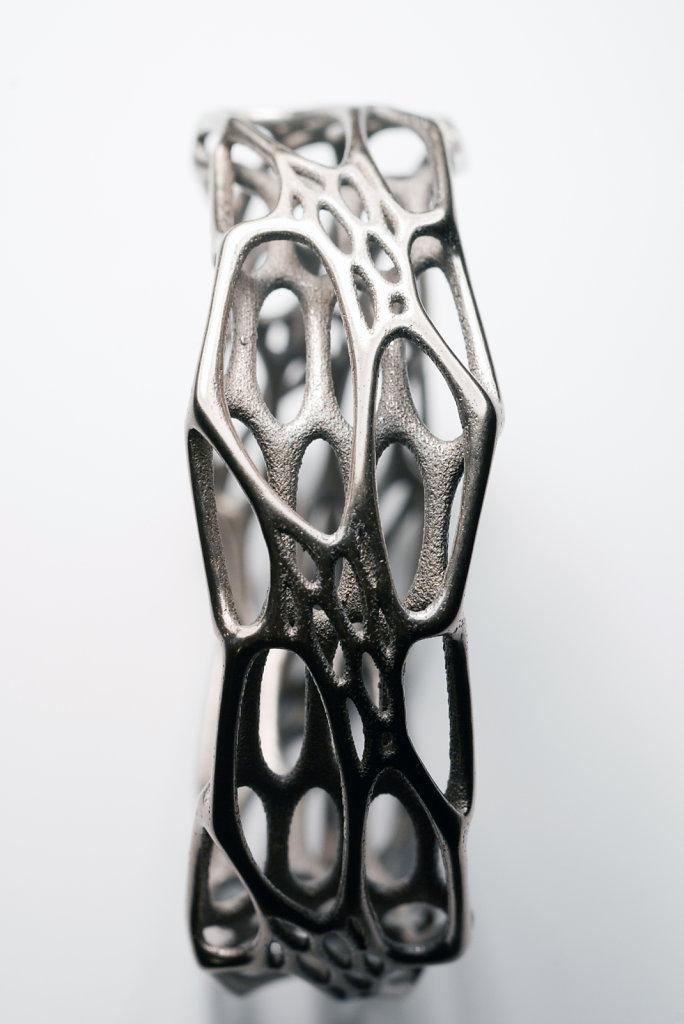 80-cell-cycle-morphed-bracelet-in-3d-printed-stainless-steel.jpg
