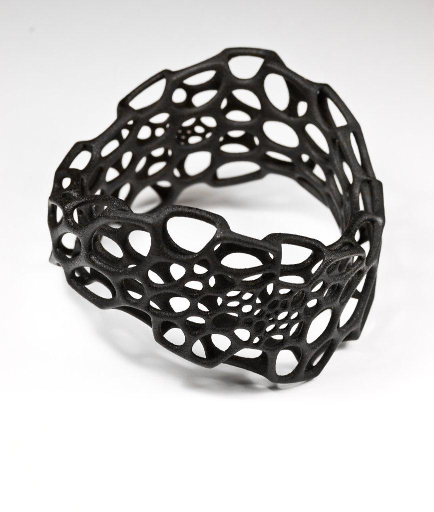 82-wave-bracelet-black.jpg