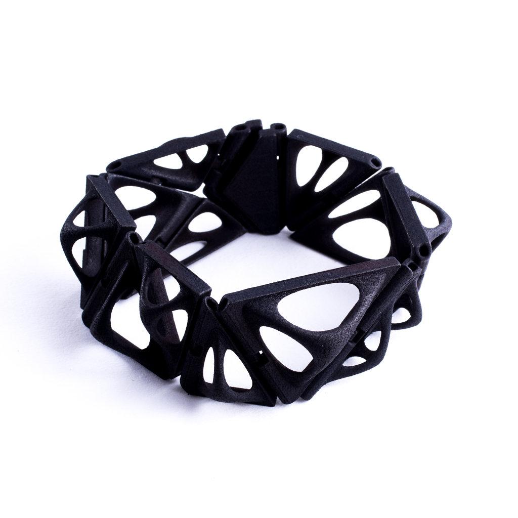 25-tetra-kinematics-15b-in-black.jpg