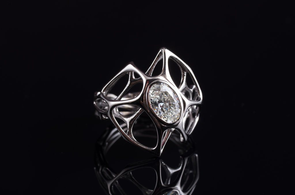 cell cycle ring with oval diamond