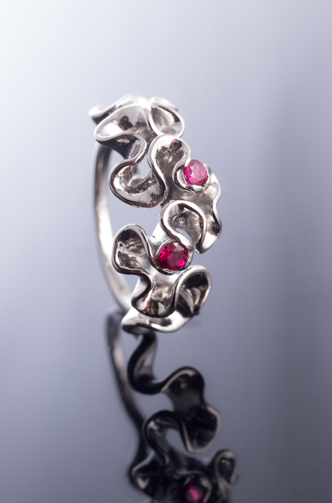 florescence ring with rubies
