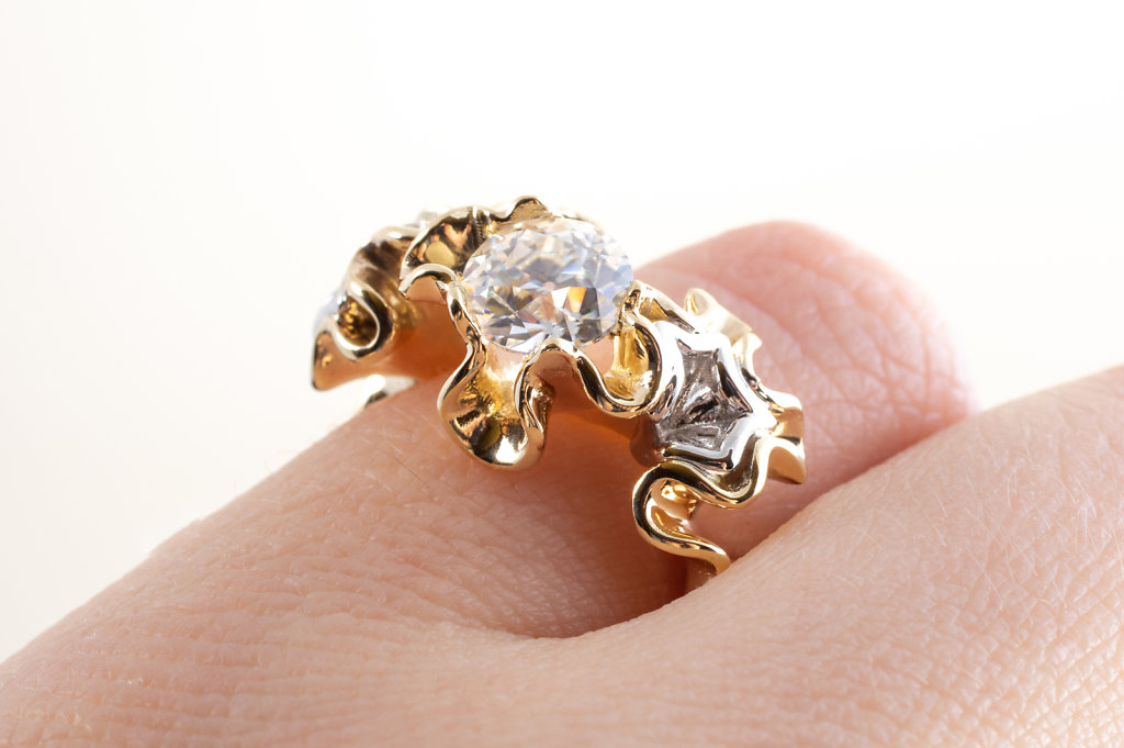 mixed metal florescence ring